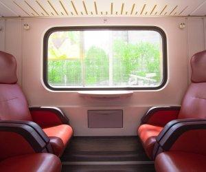train-2344374_1920